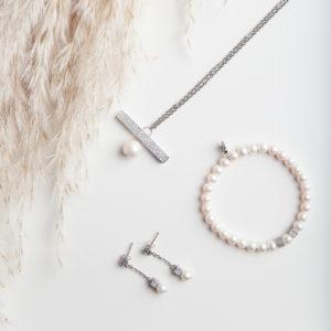 set perlových šperkov